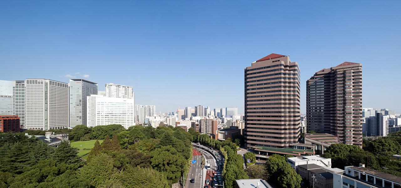 This is a complex with facilities including hotels, offices, residences, and gardens in the land of Jonan Gozan Shinagawa/Gotenyama.