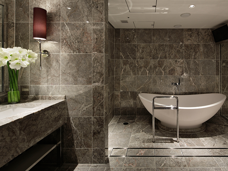 A modern and clean bathroom fitted with chic atmosphere at the Presidential Suite