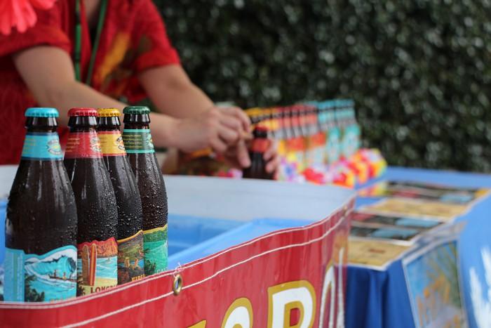 ハワイ島のコナビール片手に盛り上がりましょう!