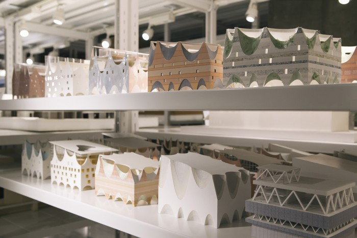 There is a whole formation of study models for the exterior of the Binjiang Multipurpose Center (Taipei, Taiwan), which was designed by Jun Aoki.